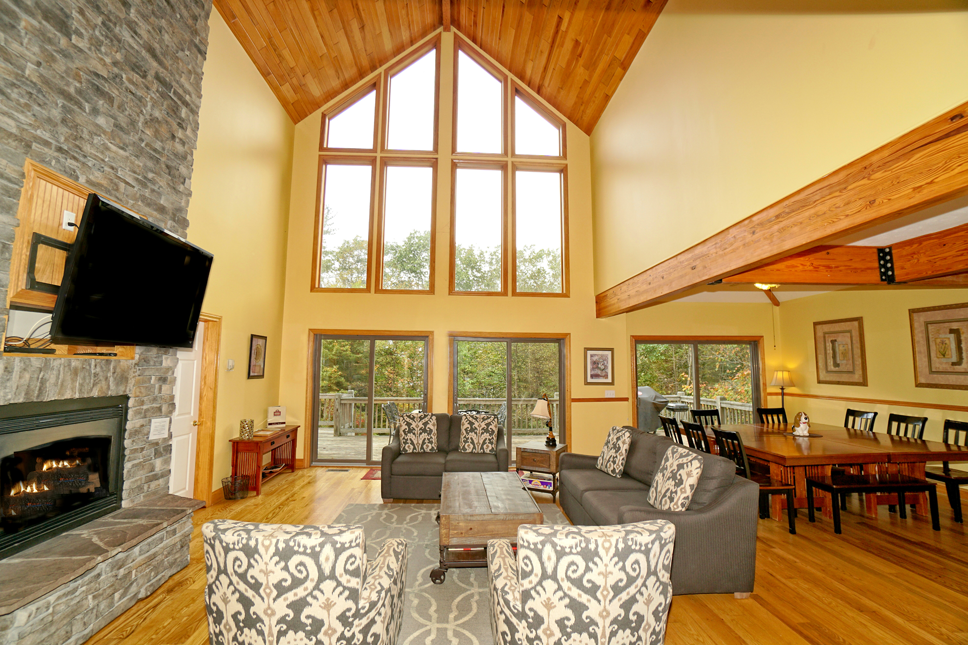 Railey Mountain Lake Vacation Home Den And Windows Deep