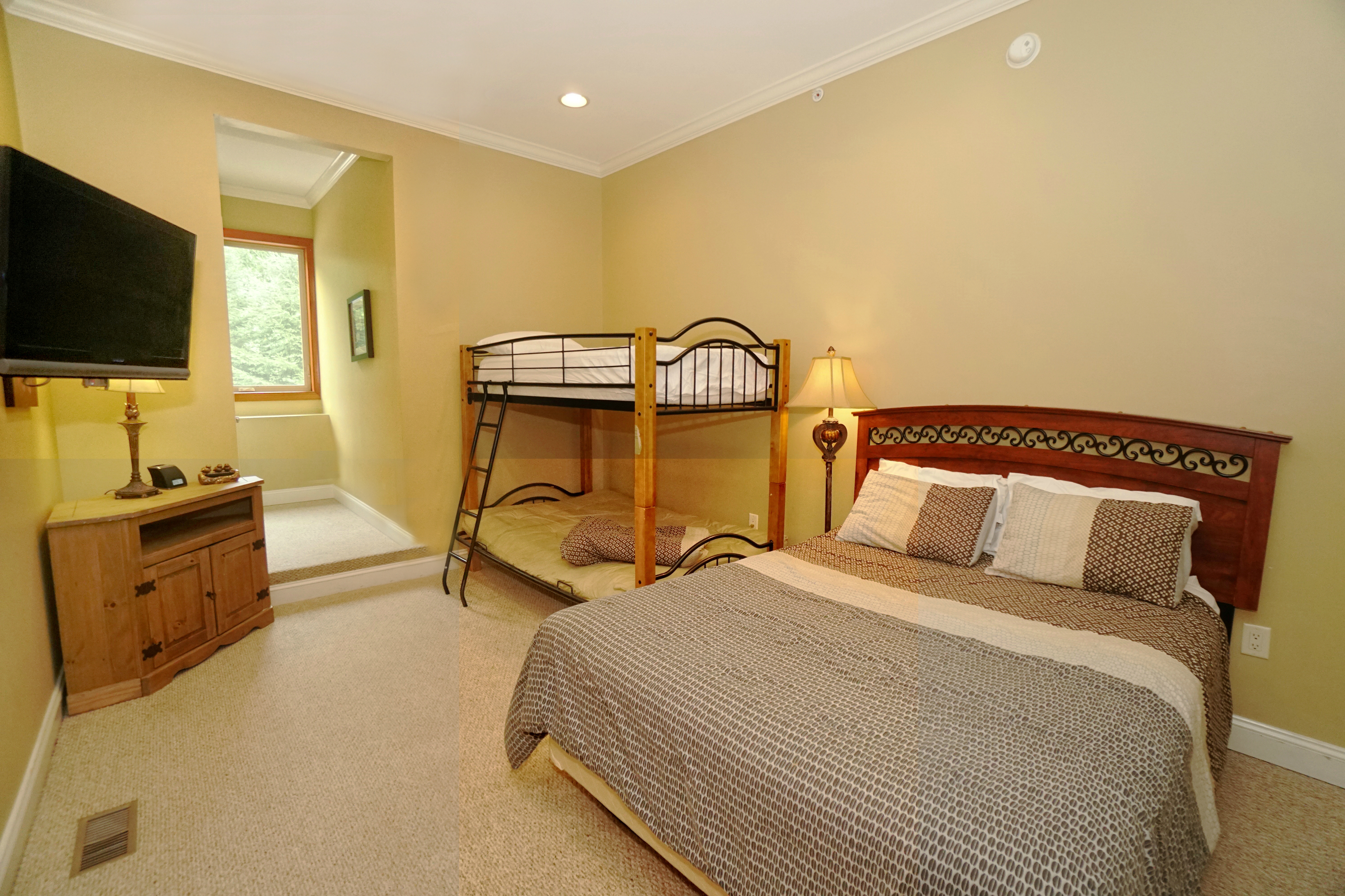 Vacation Rental By Owner Lower Level Bunk Room Deep